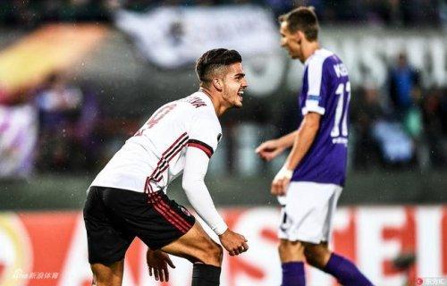 ¡Kaká de nuevo!Milan arma finalmente alguien contesta Ronaldo está bien de él  :