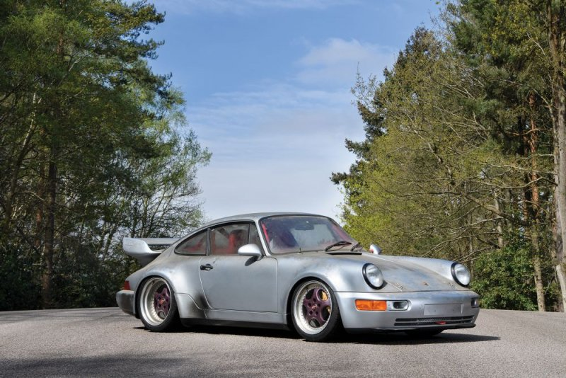 Six-Mile 1993 Porsche 911 Carrera sold out for big money
