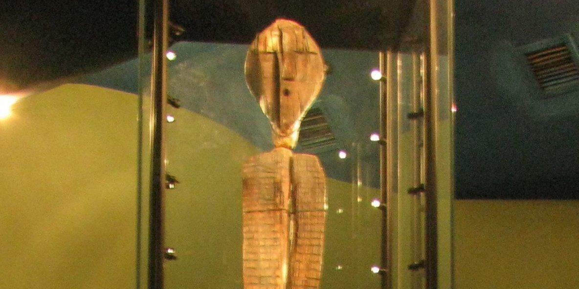 L'idole de bois mystérieuse, la plus ancienne du monde