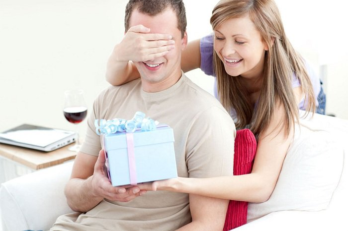 Top 5 Unique & Inexpensive Birthday Gift Ideas for Your Men - Wide Info