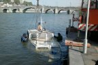 Un bâteau coule dans la Meuse à Namur - RTBF Regions