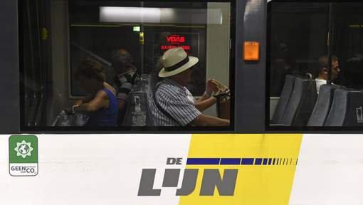 Un conducteur de bus grièvement blessé après un accident