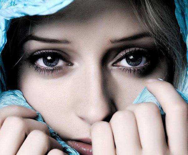 Nous devrions seulement aimer pas tomber amoureux parce que tout ce qui tombe se brise.