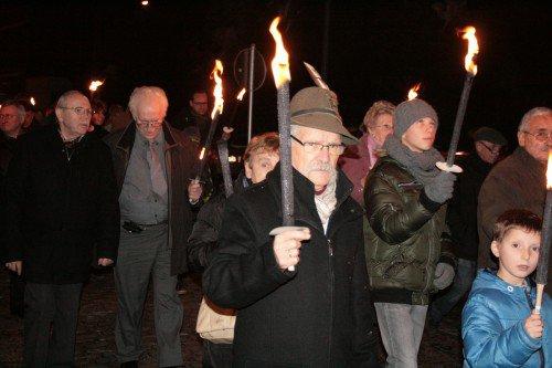 MARCINELLE- Marche aux flambeaux sur le site du Cazier - Charleroi Sudinfo