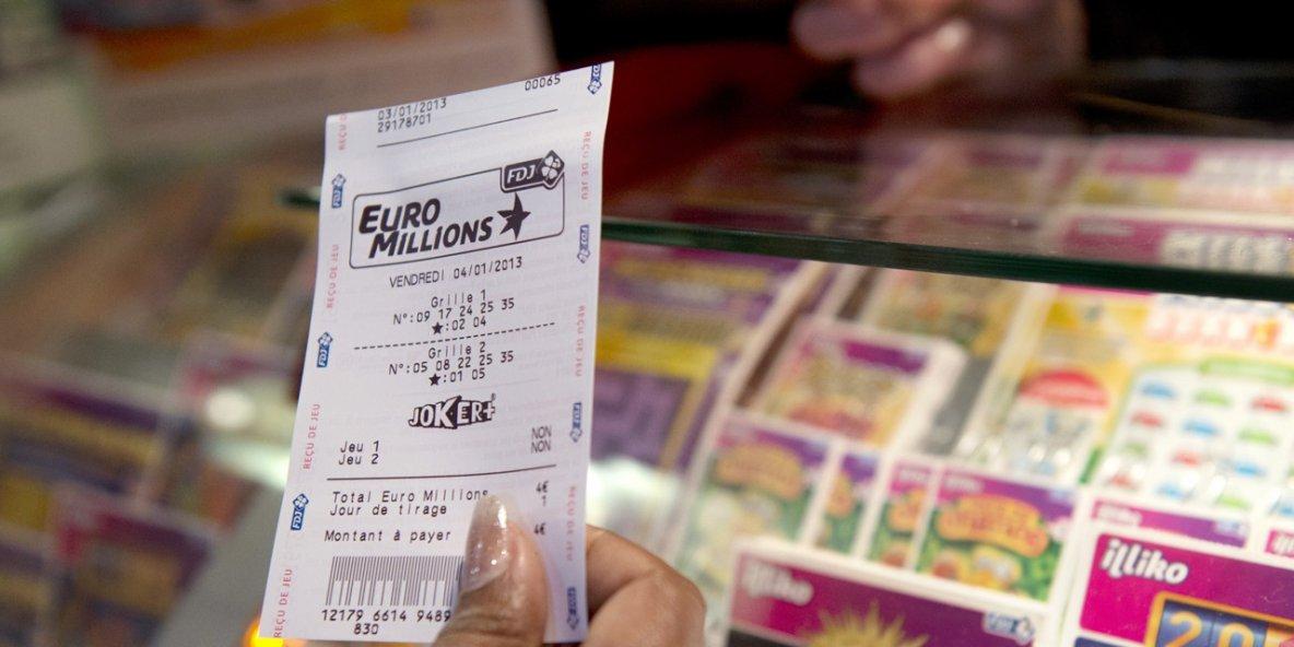 Bretagne : une grand-mère et son petit-fils gagnent un million d'euros à l'Euro Millions