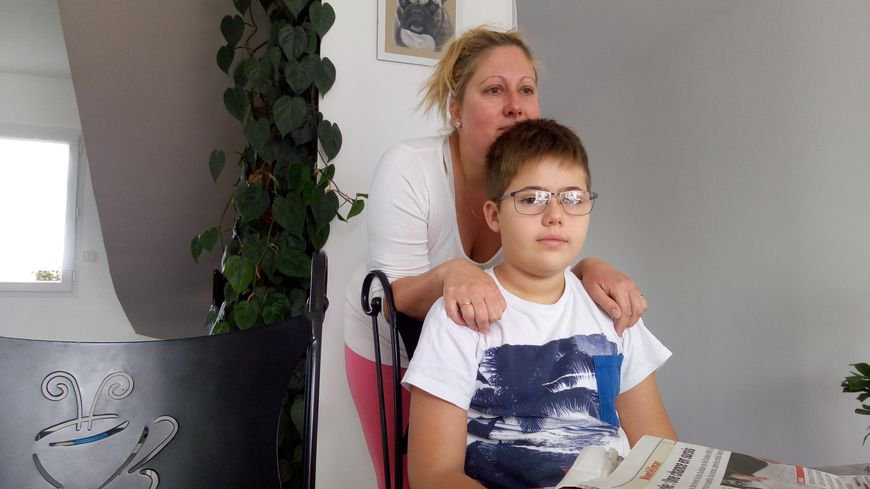 Drôme : Nino, douze ans et handicapé, va perdre la moitié de ses heures d'accompagnement au collège... - Handicap Info
