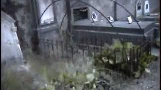 Le cimeti�re de la colline ( French ghosts reality )
