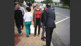 On peut croiser François Hollande dans la rue ... ou sur une aire d'autoroute - France 3 Basse-Normandie