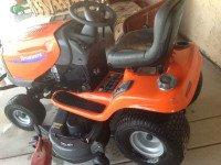 Lawn tractor – $900 (Buckeye az)