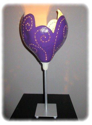Lampe décorative sur pied en calebasse météor violet : Luminaires par verrepassion