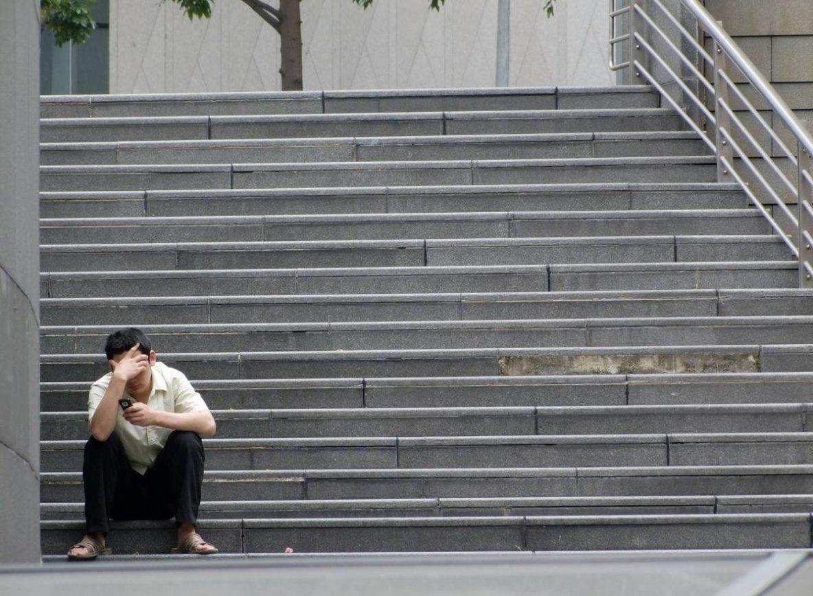 TÊTU | Pourquoi les gays sont-ils davantage victimes de solitude ?