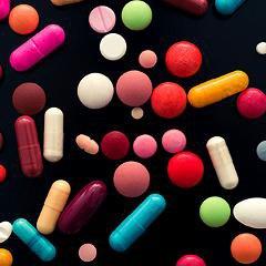 Mauvais usage des médicaments: 10000 morts et 130000 hospitalisations par année en France
