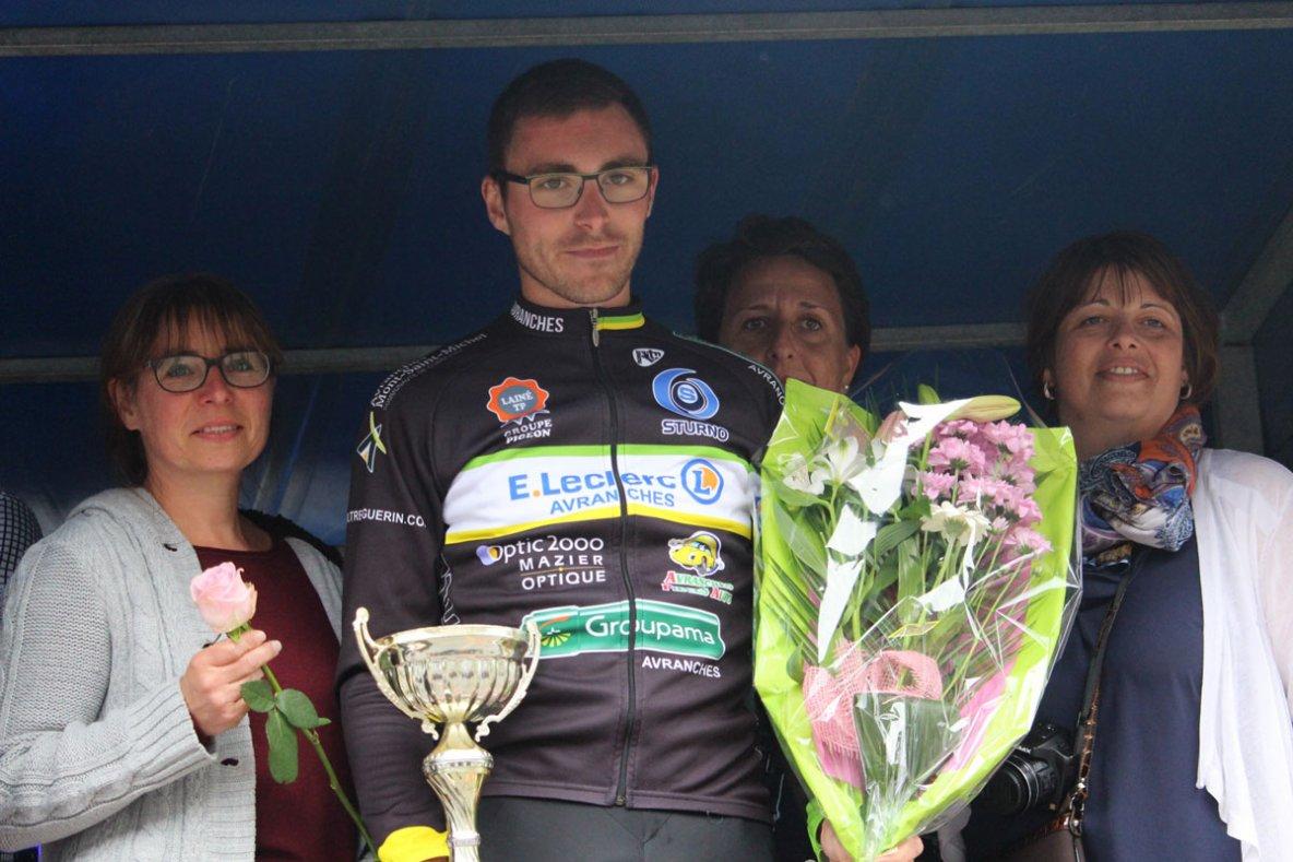Landelles (14) 3ème-Juniors-Dep Open 1-2 - L'avranchinais Clément Digne stoppe la guigne | Normandie Cyclisme