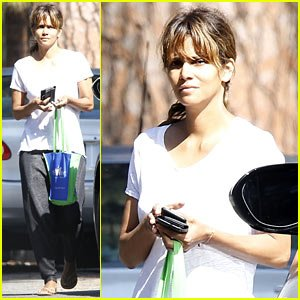Halle Berry Has a Little Too Much Fun Shopping for Records!