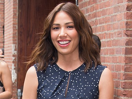 What Song Does Michaela Conlin Sing at Karaoke – and in Her Shower?