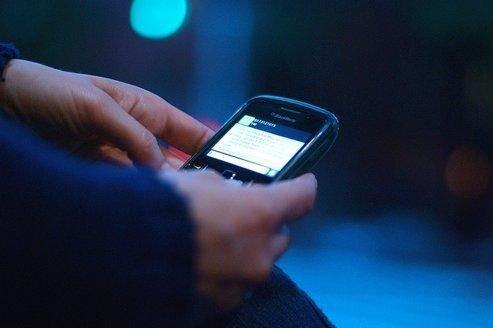 Nouvelle étude : +2 500 SMS  envoyé par mois par les jeunes, et toi ?