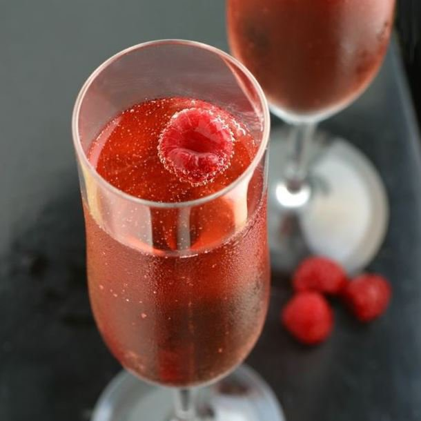 Cocktail au rosé et au pamplemousse