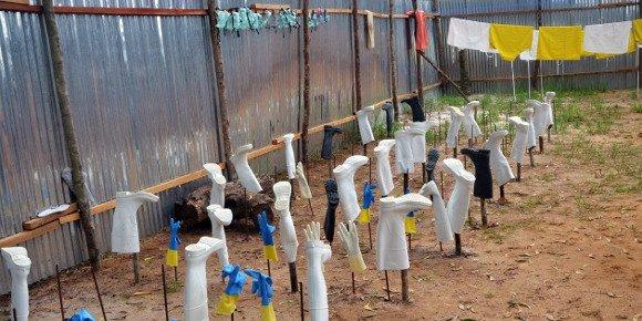 """Ebola: une épidémie """"hors de contrôle"""", le Liberia ferme ses écoles"""