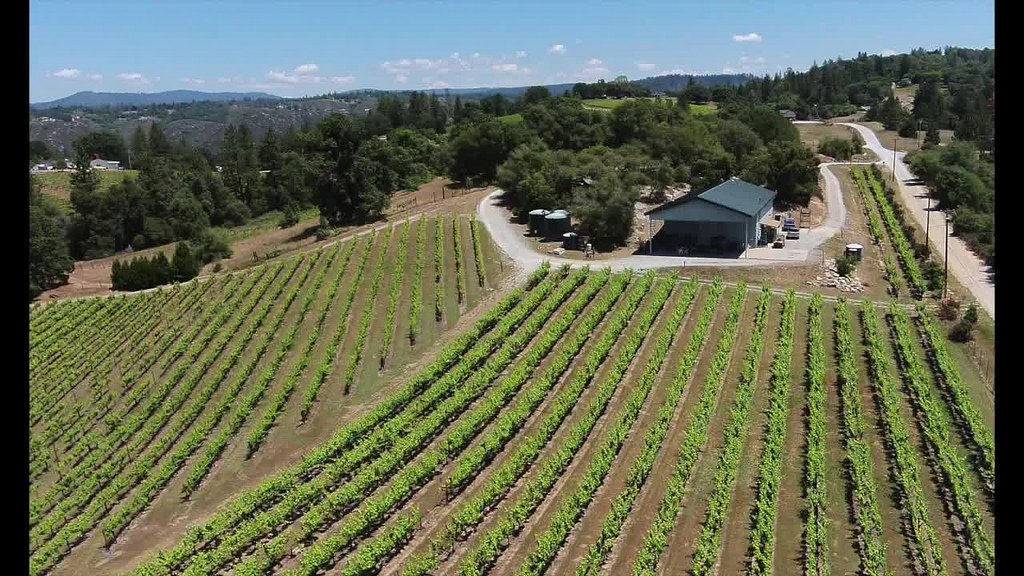 Colibri Ridge Winery - Vintroux Real Estate