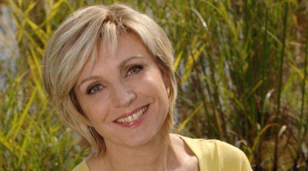"""Évelyne Dhéliat, pas prête à quitter la météo de TF1 : """"J'ai un énorme contact avec les téléspectateurs"""""""