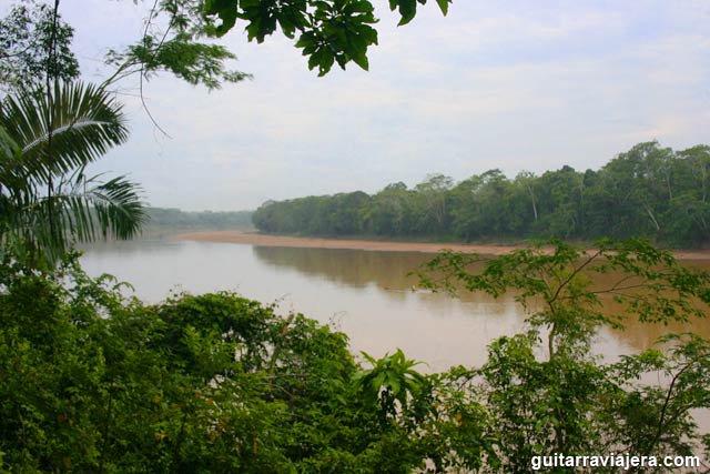 Tambopata, la selva en peligro ~ Guitarra Viajera