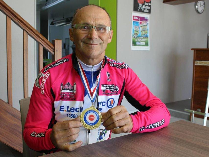 À 70ans, au départ du championnat du monde de cyclisme – actu.fr