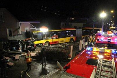 Dix blessés dans un spectaculaire accident de bus