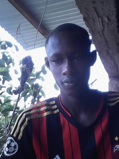 m'appelle ousseynou mbaye mon blog c'est weuzeuneuz77