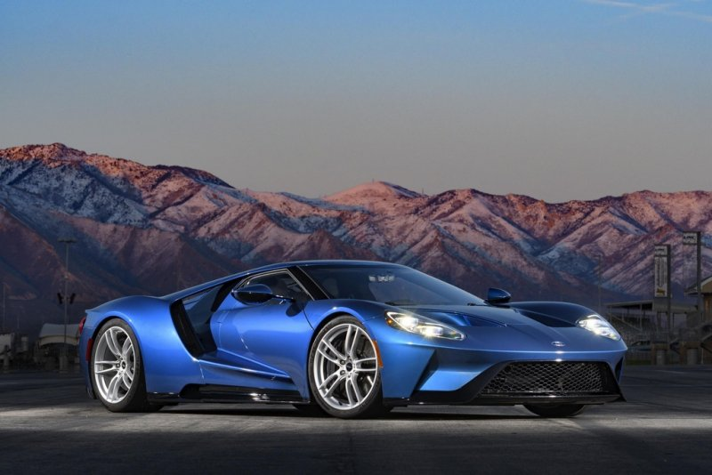 Ford GT proves you don't have to sacrifice economy for performance