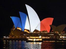"""EN IMAGES. """"Pray for Paris"""" : les hommages après les attentats sur les réseaux sociaux"""