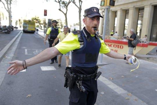 Barcelone [DIRECT]: un homme arrêté après l'attaque sur la Rambla, le bilan s'alourdit