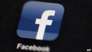 """BBC Afrique - Monde - Facebook truffé de """"faux"""""""
