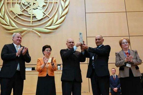 Organización Mundial de la Salud entrega importante premio a Brigada HenryReeve