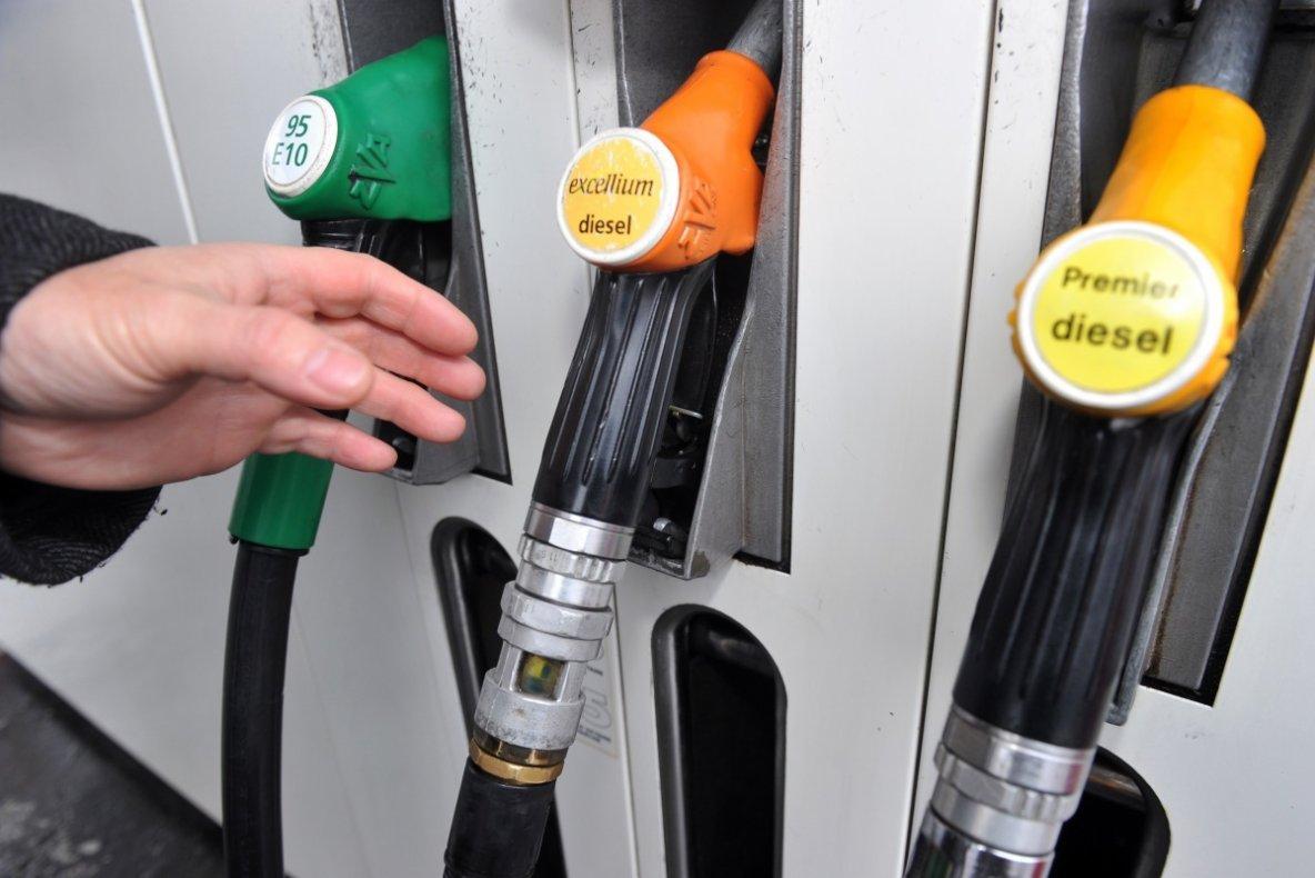 Carburant: les distributeurs accusés d'augmenter leurs marges