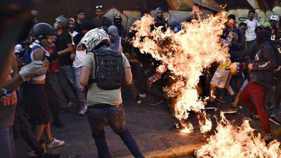 La oposición ha quemado vivas al menos 23 personas enVenezuela