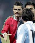 Ronaldo : «Messi est le meilleur joueur du monde» - Adidas : «Le football est joué par 265 millions...