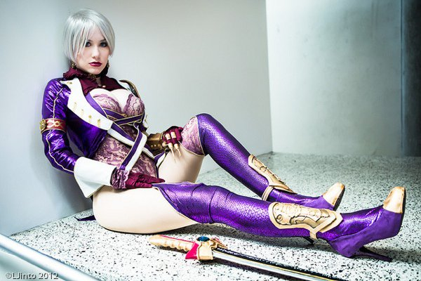 Sultry Soul Calibur Ivy Cosplay