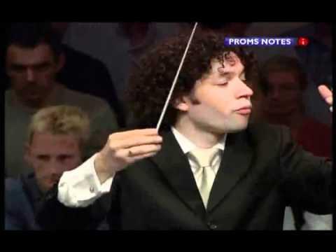 Bruxelles commence l'année avec panache avec le chef d'orchestre superstar Gustavo Dudamel le dimanche 11 et lundi 12 janvier 2015 aux BOZAR avec le Simon Bolivar Youth Orchestra du Venezuela - La...