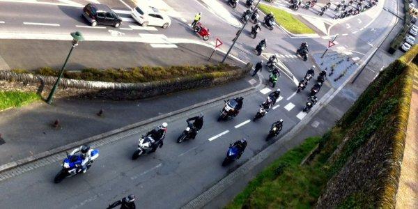 Les motards en colère font ronfler leurs motos à Saint-Lô - France 3 Basse-Normandie