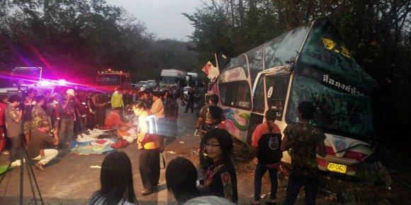 Thaïlande: 15 morts dont 13 enfants dans un accident de car
