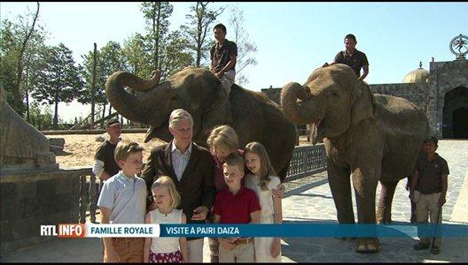 La famille royale à la rencontre des pandas à Pairi Daiza