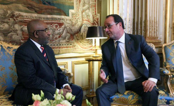 Francois Hollande et les Comores