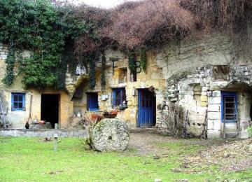 Les maisons troglodytes - découverte monde souterrain - région doué-la-fontaine