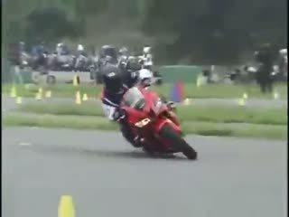 Compétences de contrôle de la moto irréel