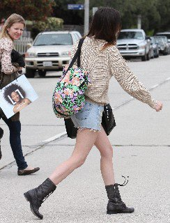 2011 05 16   Ali Lohan out and about candids in Venice Beach   0001