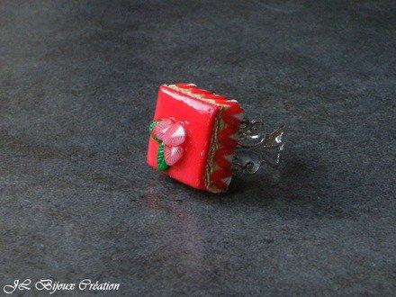 Bague gâteau fraisier en fimo : Bague par jl-bijoux-creation