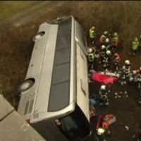 Cinq morts et 19 blessés dans l'accident d'un bus sur l'E34 à Ranst - RTBF Belgique