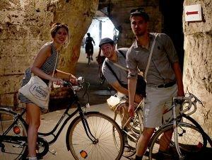 6800 personnes personnes se sont offert un voyage vintage à vélo (photos)