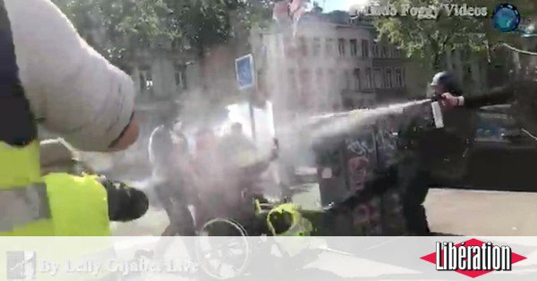 Acte XXVI: deux gilets jaunes en fauteuils roulants aspergés de gaz lacrymogène à Lille