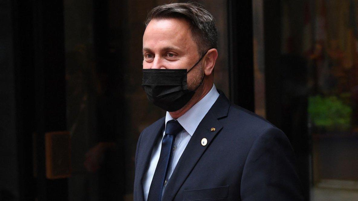 """Luxembourg : le Premier ministre, positif au Covid-19, reste hospitalisé dans un état """"sérieux mais stable"""""""